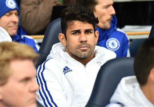Costa dẹp tan nghi ngờ về khả năng rời Chelsea trong tương lai gần. Ảnh: Reuters