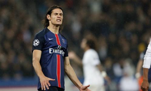 Cavani đang trải qua thời gian khó khăn khi yêu cầu đá trung phong bị PSG từ chối. Ảnh: Reuters.