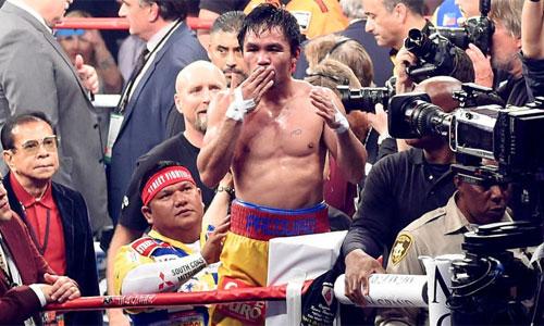 Pacquiao tuyên bố giải nghệ, để lại sau lưng sự nghiệp lừng lẫy hơn 20 năm. Ảnh: Reuters.
