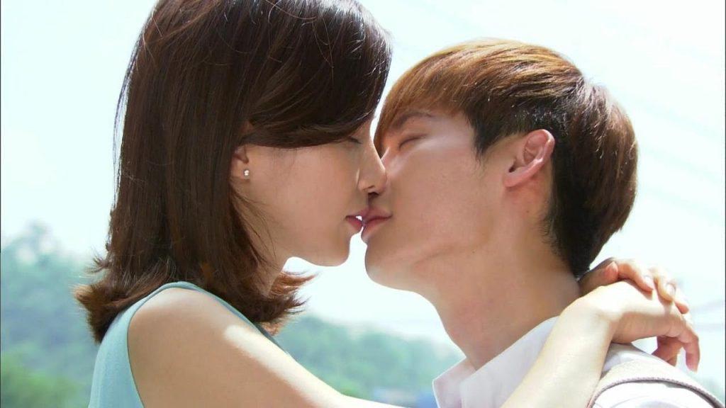 giải mã giấc mơ hôn nhau