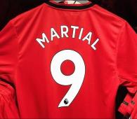 Solskjaer quyết định trao chiếc áo số 9 của MU cho Martial
