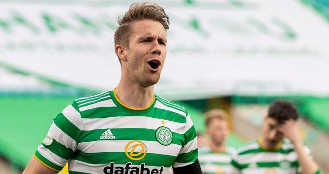 Tin chuyển nhượng Brentford: Hậu vệ Celtic Kristoffer Ajer ký hợp đồng với người mới ở Premier League