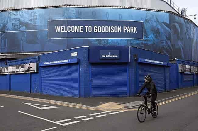 Câu lạc bộ bóng đá Anh Everton 'kinh hoàng' trước sai lầm của Anne Frank